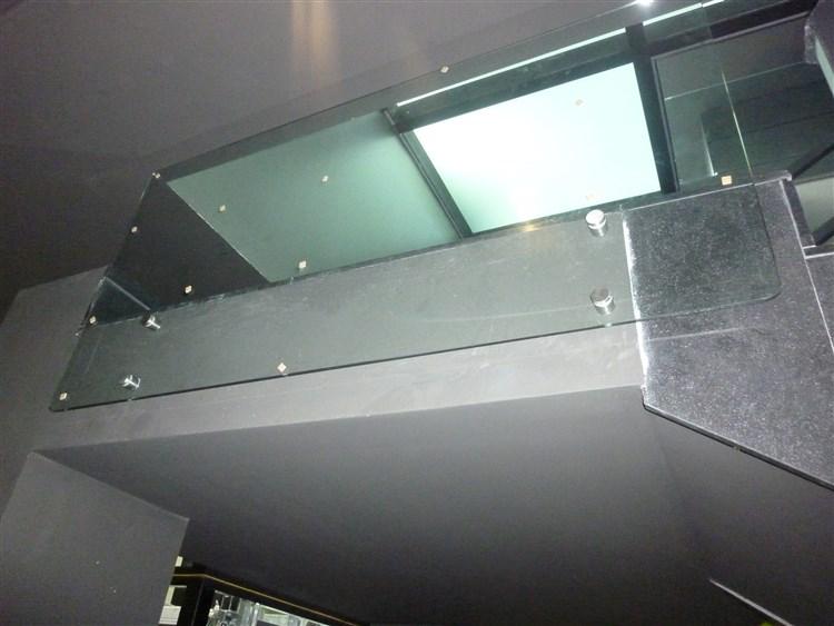 Barandillas de vidrio barandillas de vidrio sistema de for Barandillas de cristal para terrazas