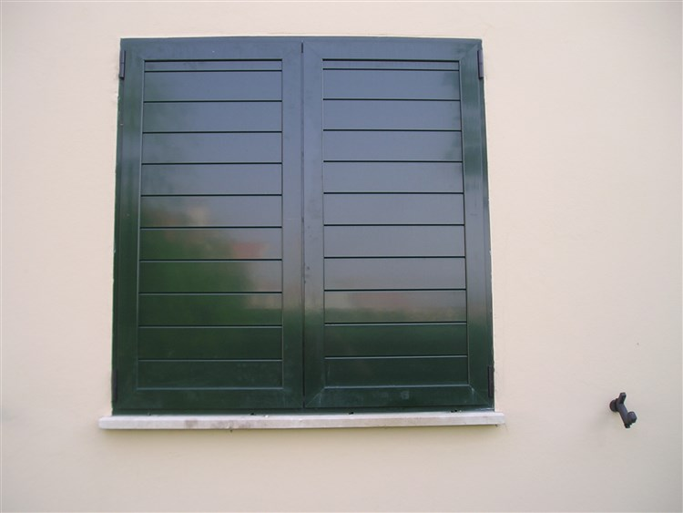 Contraventanas baratas materiales de construcci n para for Ventanas de aluminio precios online